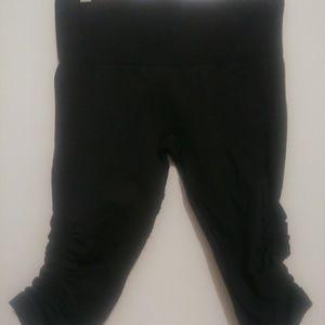 Lululemon in the flow dark grey cropped leggings 8